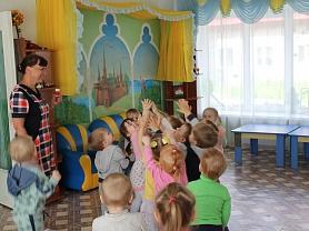 """""""Зайка в гостях у ребят"""" - развлечение в группе №12"""