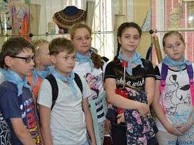 Летние экскурсии по художественной школе.
