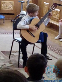 Музыкальная школа  в гостях у дошколят.