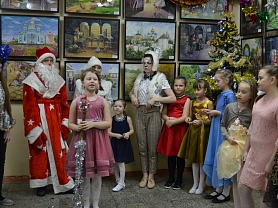 """Новогоднее мероприятие в группах 10,11,12 художественного развития """"Цветик-Семицветик"""""""