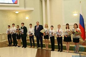 Глава Мордовии Владимир Волков вручил в День России паспорта