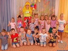 """""""Музыкальный праздник игр, плясок и забав"""" для детей среднего и старшего возраста."""