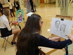 Юные художницы приняли участиев Торжественном мероприятии, посвященном Международному Дню учителя