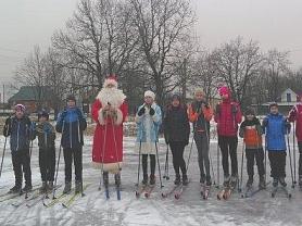 """Дед Мороз на лыжах"""