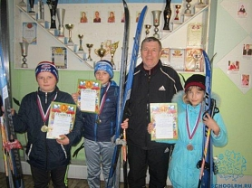 Поздравляем наших лыжников!
