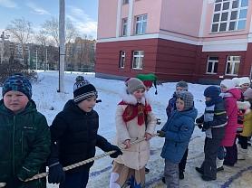 16 февраля во 2Б классе прошёл праздник «Сударыня Масленица»