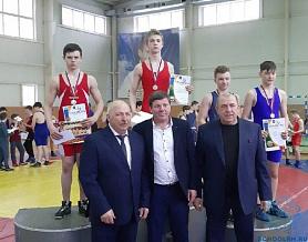 Первое место в республиканском турнире по греко-римской борьбе среди юношей 2004-2005 г.р., на призы братьев Халиловых
