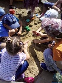 Смотр - конкурс на лучшую постройку из песка