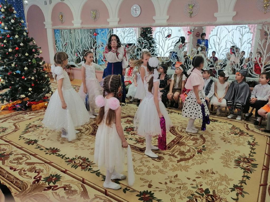 первой рождественская круговерть картинки цветы