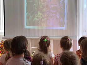 «Виртуальная экскурсия  в мордовскую избу»  (для детей средней группы) (в рамках месячника национальной культуры)